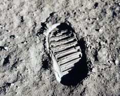 The stuff that dreams are made of: Neil Armstrong's footprint from the moon, Apollo 11 archive, NASA. Neil Armstrong, Gus Grissom, Apollo 11 Mission, Apollo Missions, Moon Missions, Apollo Space Program, Nasa Photos, Buzz Aldrin, Planets