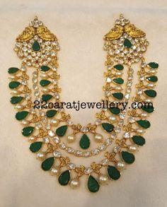 Multi Layers Emeralds Choker