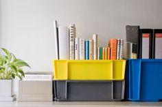 片づけの基本は整理整頓。ですが、毎日続けるのは難しいことです。そこで、とにかく入れるだけで片づけが完了する方法を提案します。取り出しやすい収まりやすいを考えて、中に入れるものの大きさにあった収納用品を