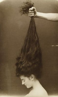 VINTAGE PHOTOGRAPHY: Vintage long haired lady