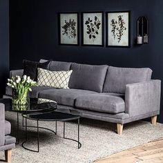 """Elsker bordet  1,000 likerklikk, 6 kommentarer – Home & Cottage (@homeandcottagenorge) på Instagram: """"Spar 3000,- på Milton sofa, denne sofaen fås i et stort utvalg ulike stoffkvaliteter og farger. Den…"""""""