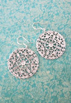 Silver Oriental earrings, Everyday Pretty Earrings, Jewelry Dangle Earrings, Simple bridesmaid earrings, gifts for her, christmas gifts, www.glitzandlove.com
