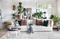 Avställningsyta bakom soffan med enkla medel!