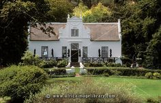 Photos and pictures of: Lanzerac vineyard, manor house, Cape Dutch architecture, Stellenbosch, South Africa - The Africa Image Library Studios Architecture, Classical Architecture, Beautiful Architecture, Architecture Details, Cape Dutch, Dutch House, Dutch Colonial, White Houses, Classic House