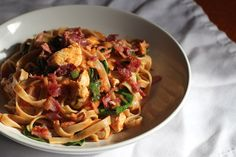Chicken Bacon and Spinach Tagliatelle - Pasta Recipe - Meal for One - Simple Suppers Turkey Bacon Recipes, Spinach Recipes, Pasta Recipes, Chicken Recipes, Cooking Recipes, Healthy Recipes, Spinach Bake, Meals For One, Main Meals