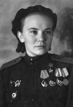 Nina-Ulyanenko-WW2-night-witches-46th-Guards-Night-Bomber-Regiment-bw