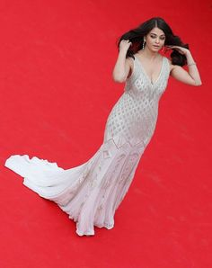 "#AishwaryaRai #Style | ""The Search"" premiere during the 67th Annual #Cannes #FilmFestival at Cannes, #France #Celebritystyle #Laughspark  http://www.laughspark.com/aishwarya-rai-style-the-search-premiere-during-the-67th-annual-cannes-film-festival-at-cannes-france-12735"