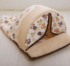 Homemade Pet Beds, Cat Tent, Dog Sofa Bed, Puppy Beds, Cat Harness, Cat Sleeping, Doge, Dog Cat, Pink Brown