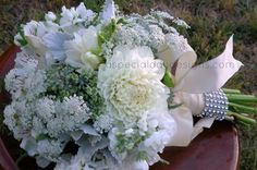 Queen Anne's Lace Wedding | White dahlia, queen anne's lace, white stock, ... | A Special Day Des ...