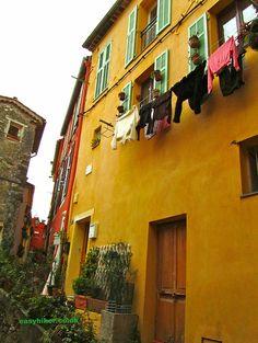 Menton Is The Prettiest Town In France http://easyhiker.co.uk