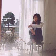 yulyulk: ☀️ #blackeyjeans #블라키진#블라키#저자세도편한블라키진 Kpop Girl Groups, Korean Girl Groups, Kpop Girls, Kwon Yuri, Yuri Girls Generation, Snsd Fashion, 1 Girl, Seohyun, Korean Singer