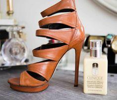 Como recuperar botas manchadas: vinagre e creme deixam
