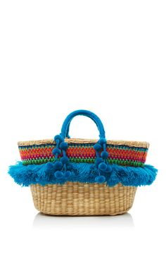 This **Nannacay** tote is rendered in fibers extracted from the Peruvian coast and is dyed by hand.