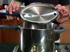 Alton: Pressure-Cooker How-Tos : DHICKEN STOCK - Alton Brown offers up a primer on safely cooking with a pressure cooker. Pressure Cooker Chicken Stock, Stovetop Pressure Cooker, Using A Pressure Cooker, Instant Pot Pressure Cooker, Pressure Cooker Recipes, Pressure Cooking, Slow Cooker, Cooking 101, Cooking Recipes