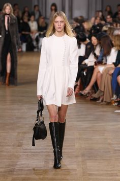 Look 6 from the Chloé Fall-Winter 2015 runway