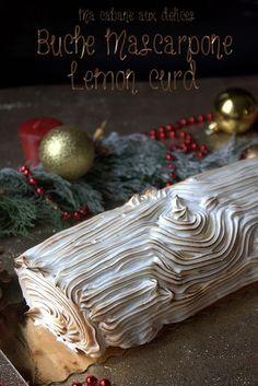 Buche au citron meringuée. Un dessert de fêtes facile garni d'un biscuit léger, crème citrons et meringue italienne brûlée au chalumeau façon tarte