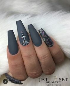 Even though the name is a bit on the creepy side, coffin nails are quite elegant and stylish, especially if you like really long nails. Fall Acrylic Nails, Acrylic Nail Designs, Nail Art Designs, Nails Design, Coffin Nail Designs, Salon Design, Coffin Nails Matte, Coffin Shape Nails, Grey Matte Nails