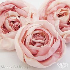 Sewing Fabric Flowers DIY Fabric Peonies---May have to try this style. Making Fabric Flowers, Cloth Flowers, Shabby Flowers, Felt Flowers, Flower Making, Diy Flowers, Paper Flowers, Fabric Roses Diy, Satin Flowers