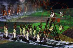 Escravidão é um dos pontos marcantes da abertura do Rio 2016.jpg (594×396)