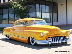 Buick Sedanette had la roadmaster convertable lite blue same year with same grill work Yellow Car, Mellow Yellow, Rat Rods, Jaguar, Vintage Cars, Antique Cars, Mustang, Buick Cars, Buick Sedan