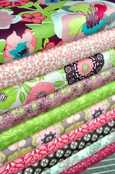 Shop our selection of modern fabric by the yard, indie sewing patterns, thread, and wallpaper. Quilting Projects, Sewing Projects, Sewing Ideas, Fabric Crafts, Sewing Crafts, Fabric Outlet, Buy Fabric Online, Sewing School, Textiles