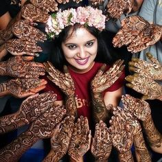 Fun Bridal Mehndi Poses You Wouldn't Want to Miss! Sangeet and mehndi photography is the new métier that makes wedding photography interesting. As Nowadays brides are having unique bridal mehndi poses to display their mehndi and here are some of them! Mehendi Photography, Indian Wedding Couple Photography, Bride Photography, Fashion Photography, Mehndi Photo, Et Tattoo, Foto Fun, Bride Poses, Bridal Photoshoot