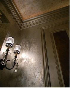 Silver Leaf Faux Finish Design Love this! Love the walls and no wallpaper seams.plus love the ceiling! Faux Walls, Plaster Walls, Textured Walls, Faux Painting Walls, Wood Walls, Painting Contractors, Wall Treatments, Metallic Paint, Wall Colors