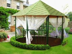 Best part of a house is backyard. Add gazebo, pergola and/or wooden cottage in your backyard. See our post on Lovely Backyard Gazebos With Original Design. Pergola Shade, Diy Pergola, Gazebo Decorations, Outdoor Bathtub, Wooden Gazebo, Backyard Gazebo, Shade Structure, Outdoor Seating Areas, Indoor Outdoor Living