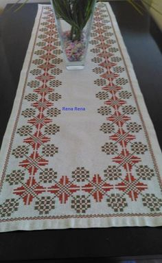 Beaded Embroidery, Cross Stitch Embroidery, Embroidery Patterns, Bargello, Palestinian Embroidery, Cross Stitch Borders, Lassi, Table Runners, Elsa
