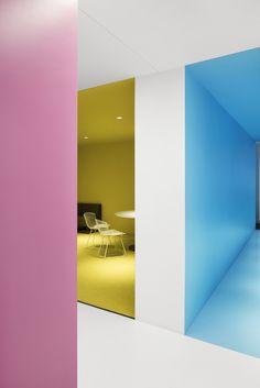 Oficinas Centrales Playster,© Adrien Williams