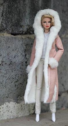 Barbie Clothes Patterns, Doll Clothes Barbie, Barbie Dress, Fashion Royalty Dolls, Fashion Dolls, Fashion Outfits, Beautiful Barbie Dolls, Barbie Collection, Barbie Friends