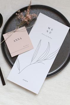 Anticipation is the greatest joy, especially when it comes to appetite. Decorate your wedding tables with wonderful menu cards, which give a hint of the delicacies of the feast…