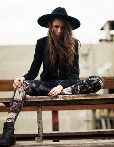 Flat Black Ankle Boots, Sepia City Leggings, Black Shirt, Black Blazer, Long Brass Necklace, Wide-Brimmed Hat... Open Road Wanderer