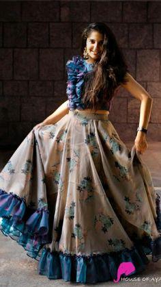 Party Wear Indian Dresses, Designer Party Wear Dresses, Indian Gowns Dresses, Dress Indian Style, Indian Fashion Dresses, Indian Wedding Outfits, Indian Designer Outfits, Bridal Outfits, Wedding Dresses