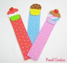 Lembrancinha de EVA marcador de página cupcake