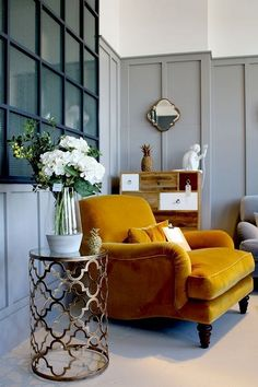 Yellow accent chairs - Gorgeous Mustard Yellow Will Make Your House Look Bright And Cheerful Accent Walls In Living Room, New Living Room, Living Room Chairs, Interior Design Living Room, Mustard Chair, Mustard Walls, Mustard Living Rooms, Yellow Accent Chairs, Yellow Armchair