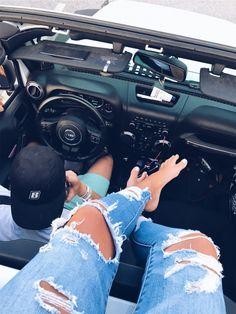jeep hangs for teens My Dream Car, Dream Cars, Flipagram Instagram, Car For Teens, Jeep Cars, Jeep Jeep, Jeep Truck, Car Goals, Cute Cars
