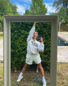 Maddie Zeigler, Pic Pose, Dance Moms, Well Dressed, Trendy Outfits, Winter Outfits, Fashion Beauty, Fashion Killa, Rain Jacket