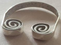 Scroll Ring   by DesignRosetta
