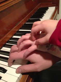 Great article on how to successfully give your own children piano lessons!  ALso great thoughts on a parent's role in their children's practicing.