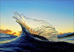 Assuntos Criativos™: Havaiano tira fotos do interior de ondas