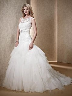 New Design Wedding Dresses Mermaid Scoop With Delicate Lace Appliques Cascading Ruffles Tulle Court Train Bridal Gown
