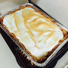 "Homemade Banana Pudding Pie | ""If i can be honest a moment, this is by far the best rendition of banana pudding yet. I give u 2 thumbs up w/5 stars...very good recipe."""