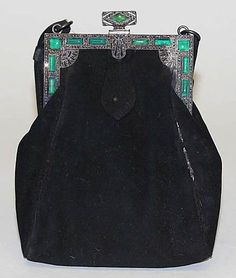 Women's Purses : Evening purse Jay-Thorpe, Inc. Date: Culture: French Medium: leathe. Vintage Purses, Vintage Bags, Vintage Handbags, Vintage Shoes, Vintage Accessories, Vintage Outfits, Fashion Accessories, Vintage Fashion, 1930s Fashion