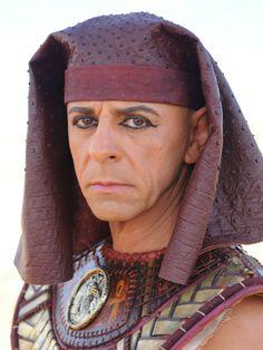 Conheça os personagens da nova fase da minissérie José do Egito http://r7.com/YyFP