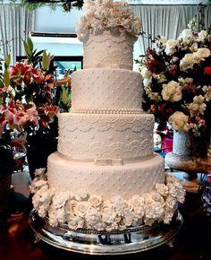 60 Elegant And Beautiful Wedding Cakes You'll Like – Page 28 of 60 – Romantic Wedding Cake Fancy Wedding Cakes, Rustic Wedding Cake Toppers, Amazing Wedding Cakes, Wedding Cake Designs, Wedding Cupcakes, Wedding Vintage, Luxury Wedding Cake, Wedding Gifts, Pink And Gold Wedding