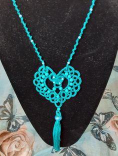 Needle Tatting, Jewelry Making, Pendant, Beautiful, Fashion, Diy And Crafts, Moda, Fashion Styles, Hang Tags