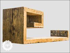 """Regal """"Belesener Barmbeker""""   Mit seiner ausgeklügelten Form bietet der Belesene Barmbeker ausreichend Stellplatz - natürlich nicht nur für die heimische Büchersammlung. An den eigenen Wänden..."""