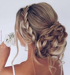 25 Updo Wedding Hairstyles for Long Hair, We love an ethereal, romantic updo mor. - 25 Updo Wedding Hairstyles for Long Hair, We love an ethereal, romantic updo more than just about a - Long Hair Wedding Styles, Wedding Hairstyles For Long Hair, Wedding Hair And Makeup, Easy Hairstyles, Short Hair Styles, Hairstyle Wedding, Hairstyle Ideas, Trending Hairstyles, Long Prom Hair