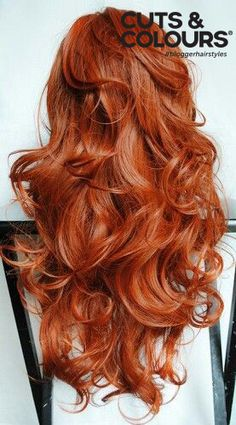 Rood haar staat sexy en slim   Bij Cuts & Colours geven wij jou graag het juiste advies hoe je jouw lange haar het beste kunt verzorgen